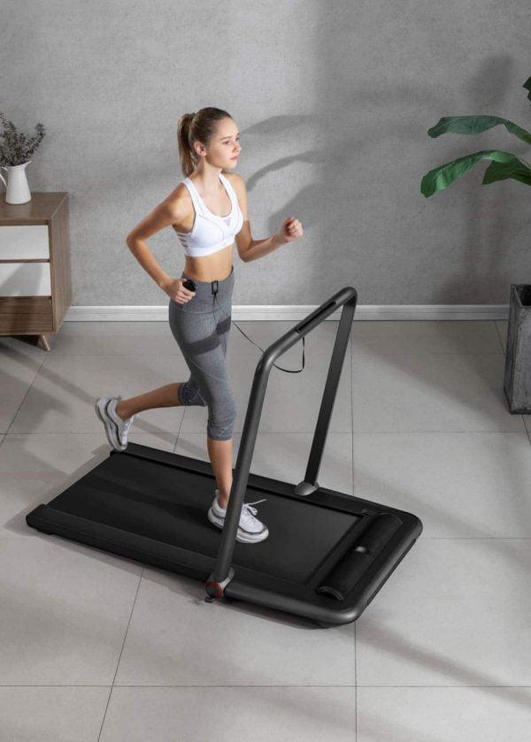 Flow Fitness nieuwste Loopband DTM200i met 2 loopmogelijkheden zijzijde hardlopen