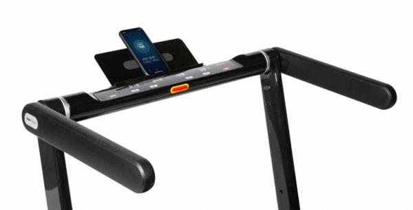 Loopband Runner DTM300i merk Flow Fitness display