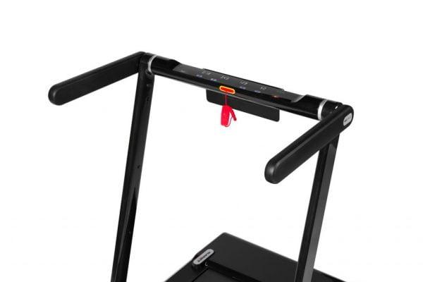 Loopband Runner DTM300i merk Flow Fitness stang