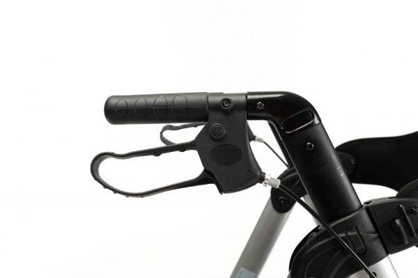 Rollator Vermeiren Goliat met verstelbare zitting in kleur grijs voorbeeld handgreep