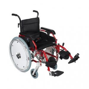 Kinderrolstoel in de kleur rood met comfort beensteunen