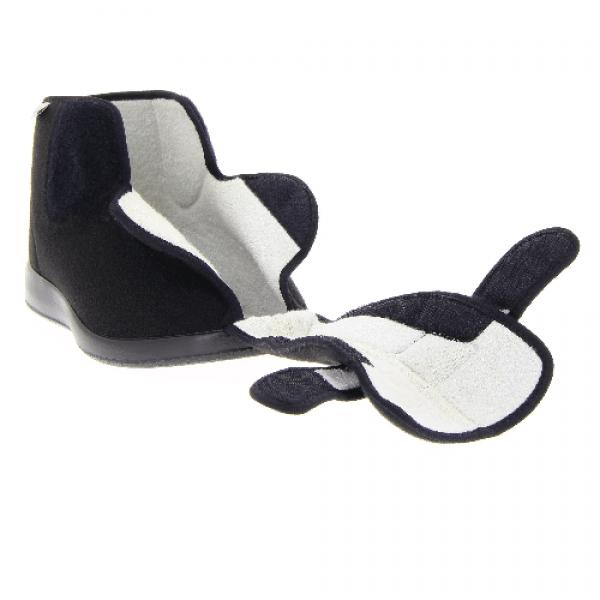Verbandschoen merk Varomed Model Meran maat 36-48, 50 in de kleur zwart