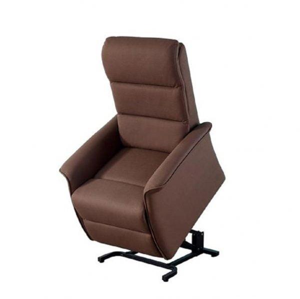 Sta-op stoel Torino waarvan de rugleuning en beensteun apart zijn te bedienen. Kleur bruin in sta-op stand